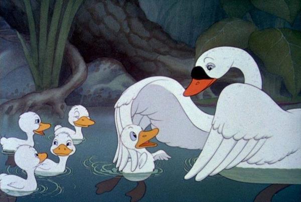 Cerita Dongeng Fabel Anak Bebek Belajar Berenang